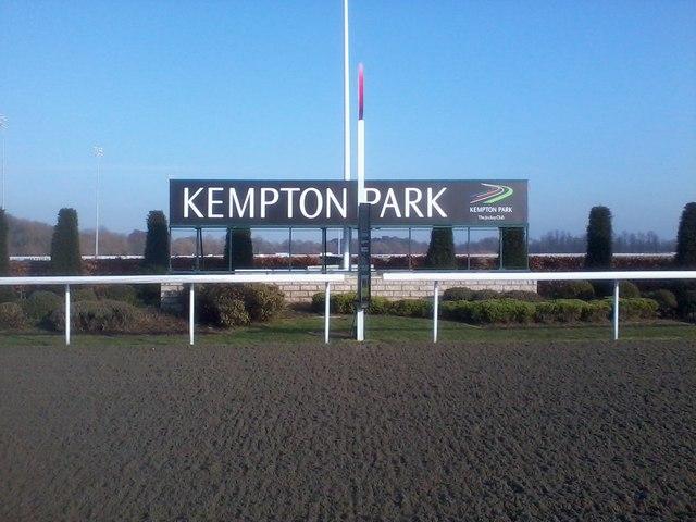 horse racing kempton racecourse