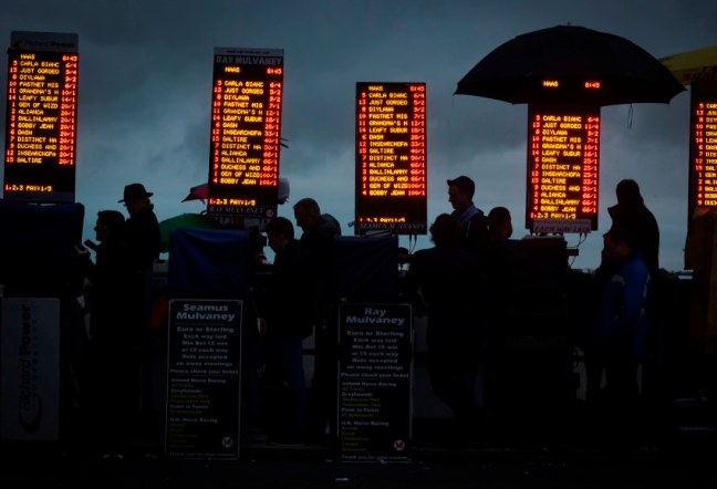 horse racing on course bookmakers